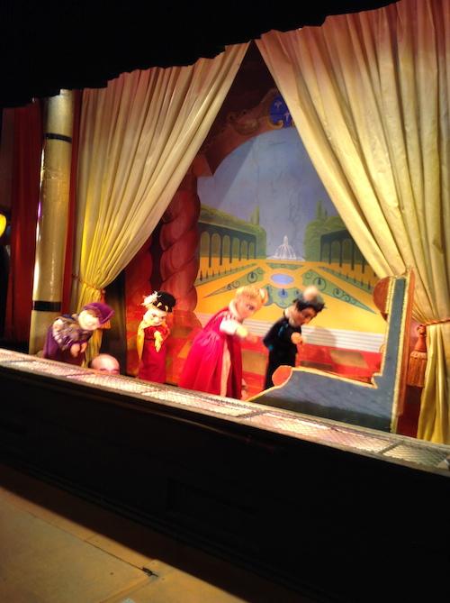 Th tre des marionnettes du jardin du luxembourg for Buvette des marionnettes du jardin du luxembourg