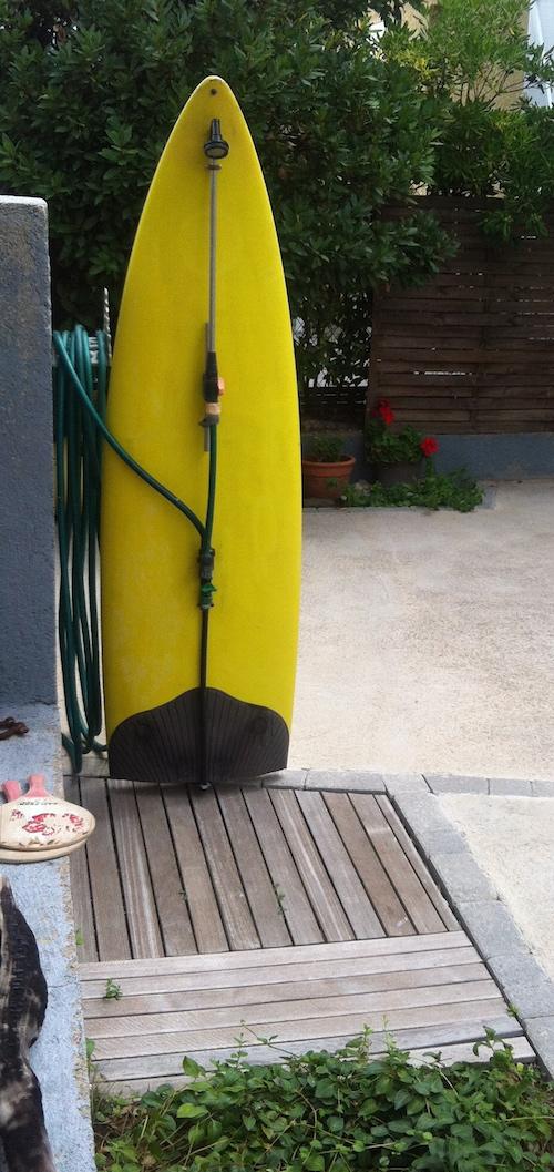 """Douche Extérieure Originale une douche extérieure """"surf"""" - caroline munoz"""