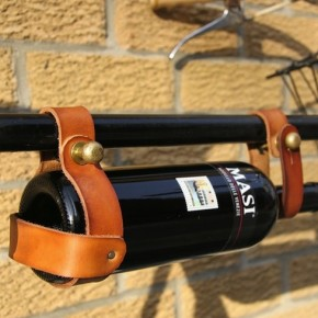nectars-magazine-alcool-vin-porte-bouteille-cuir-laiton-bicyclette-velo-jesse-herbert-cadre-3