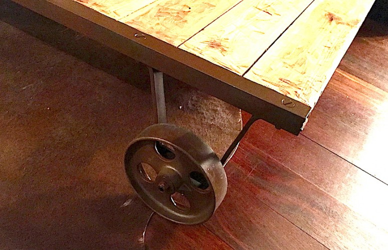 Diy table basse industrielle caroline munoz - Table basse industrielle la redoute ...