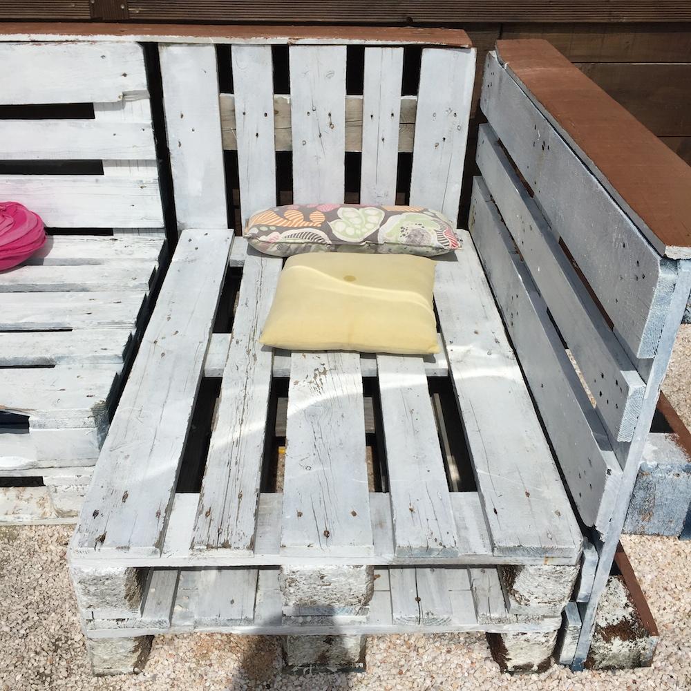 Deco avec des palettes caroline munoz - Creer son salon de jardin avec des palettes ...