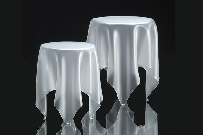 tables-illusion-grande-et-petite-design-essey-john-brauer