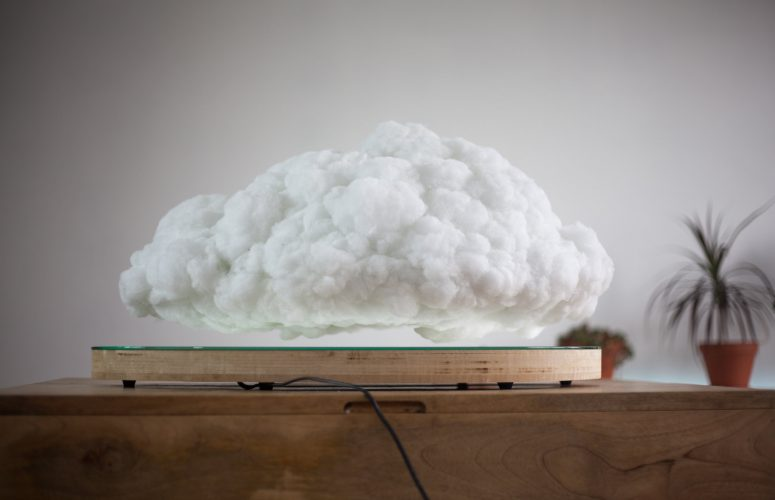 Flaoting Cloud  3
